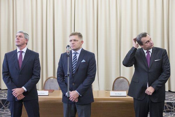 Lídri súčasnej koalície Béla Bugár (Most-Híd), Robert Fico (Smer) a Andrej Danko (SNS)