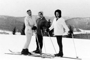Na lyžovačke s mamou a krstnou.
