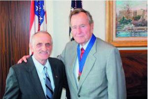 Slavo Mulik s bývalým prezidentom Bushom.