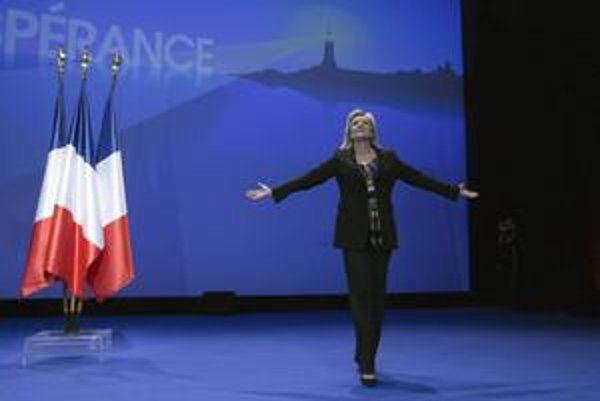 Marine Le Penová je späť v hre.