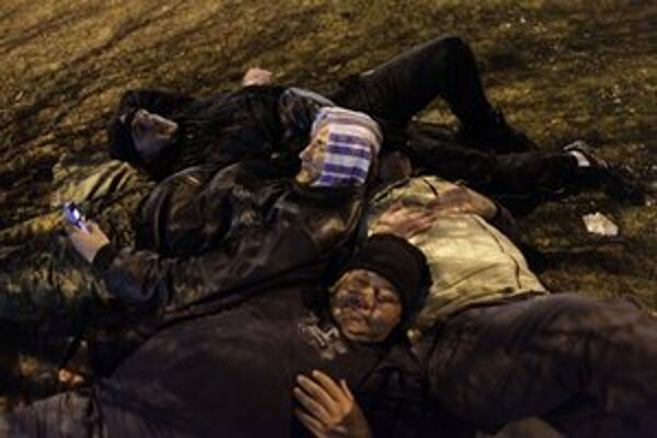 Bývalí vojaci strávili v uliciach hlavného mesta aj studenú noc.