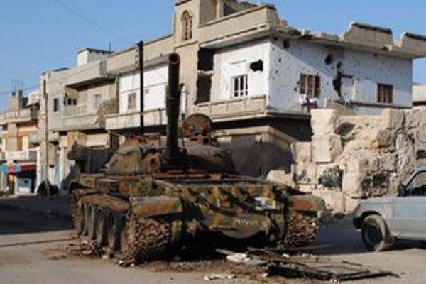 Zničený armádny tank v Damasku.