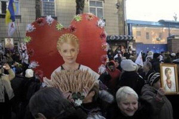 Stúpenci ukrajinskej opozičnej líderky a bývalej premiérky Julie Tymošenkovej.