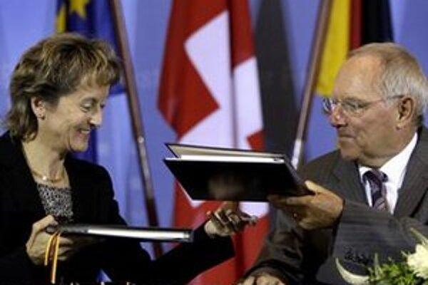 Nemeckí a švajčiarski politici nedávno podpísali dohodu o daňových únikoch. Nemci ju ešte doma neschválili.