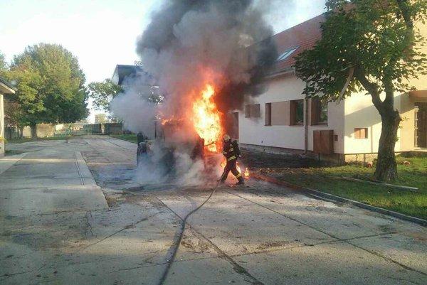 Požiar v Cíferi spôsobil desaťtisícové škody.