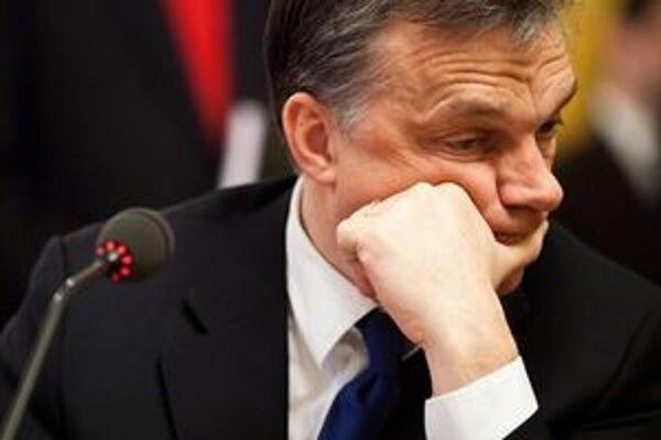 Viktor Orbán môže krajinu izolovať.