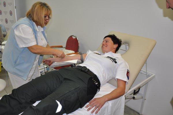 Nedávno prebiehala na Krajskom riaditeľstve Policajného zboru (KR PZ) v Žiline dobrovoľná akcia pod názvom Policajná kvapka krvi.