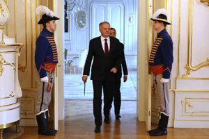 Pozemok, ktorý kúpil prezident Andrej Kiska menil majiteľov štandardným spôsobom, tvrdí polícia.
