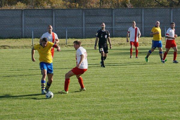 Momentka zo zápasu Zv. Slatina - Kriváň