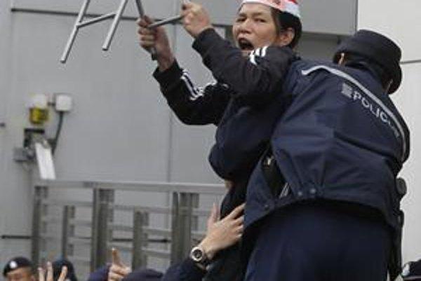 V Hongkongu v poslednom čase zosilneli protesty za prepustenie čínskeho disidenta a nobelovkára Lioua.