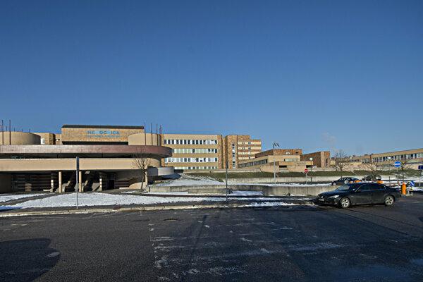 Univerzitná nemocnica na Antolskej ulici v bratislavskej Petržalke.