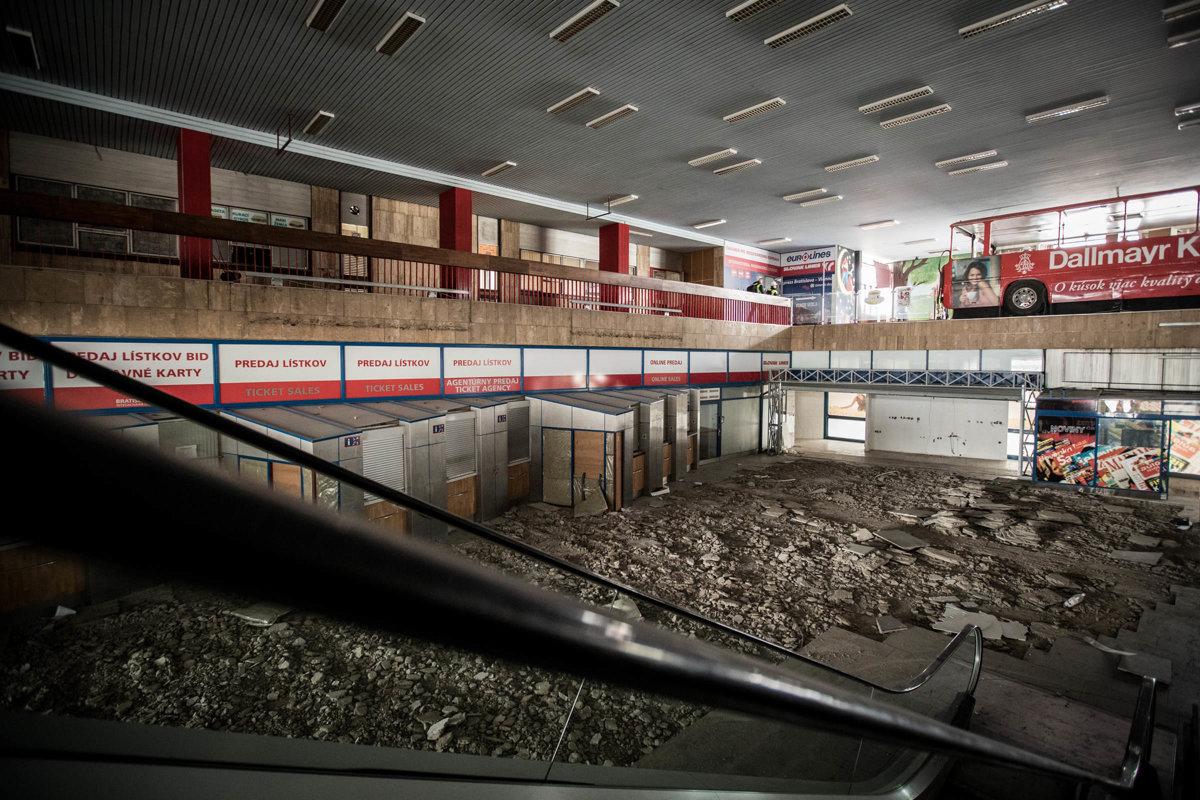 0e2cda62af Stanica Mlynské nivy  začali ju búrať - Bratislava SME