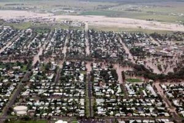 Pohľad na zaplavené mesto Dalby v austrálskom štáte Queensland
