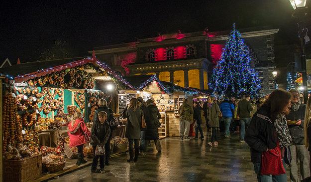 Vianočné trhy približujú aj mnohé tradície.