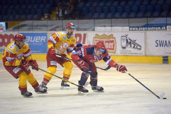 Viktor Fekiač s dvojicou Trenčanov