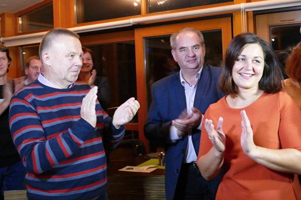 Erika Jurinová oslavuje víťazstvo.