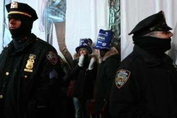 Policajti na Times Square.