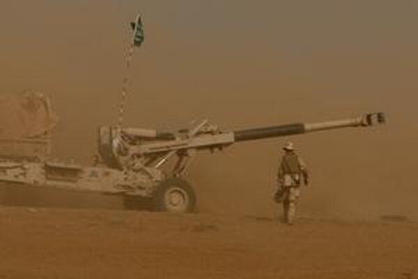 Saudskoarabské delostrelectvo v akcii na hraniciach s Jemenom.