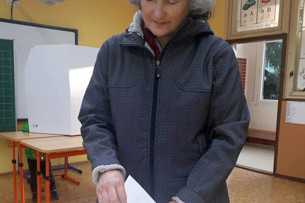 Soňa Zelísková využíva svoje právo voliča v každých voľbách.