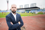 Na Slovensku je vraj problém v tom, že keď máme záujem o hráča z iných slovenských klubov, cena bude o tridsať až štyridsať percent vyššia ako je jeho reálna hodnota.
