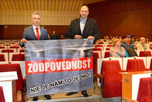 Rastislav Trnka. Spolu s Jaroslavom Polačekom ako opozičný poslanec župy bojoval za vyvodenie zodpovednosti v súvislosti s havarijným stavom mosta cez Ružín.