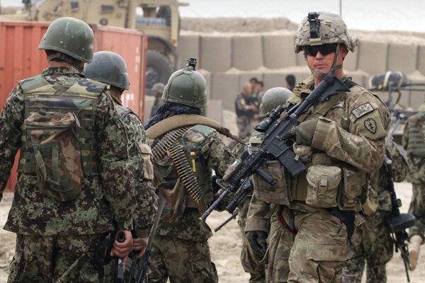 Rím zníži počet vojakov v Iraku pre novú misiu v Afrike