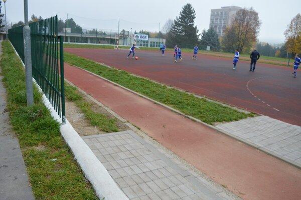 Zrekonštruované ihrisko na ZŠ Spojová.