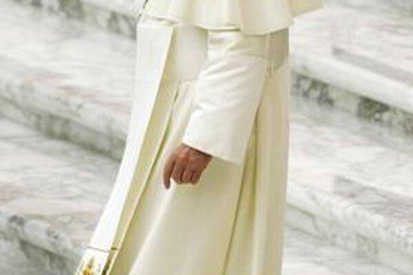 Kauza popierača holokaustu pápežovi uškodila.