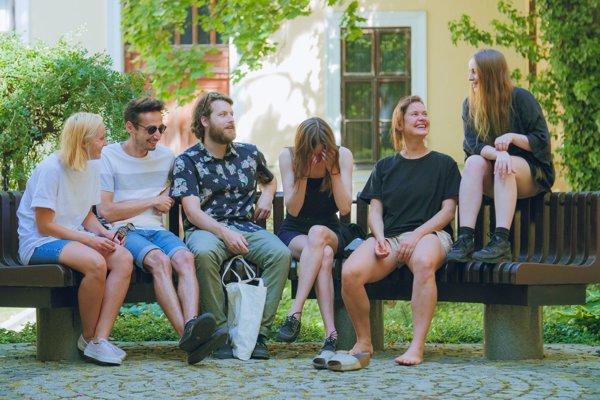 Finalisti Ceny Oskara Čepána Zuzana Žabková, Nik Timková, Katarína Hrušková a bratislavská skupina APART Collective sa rozhodli spojiť.