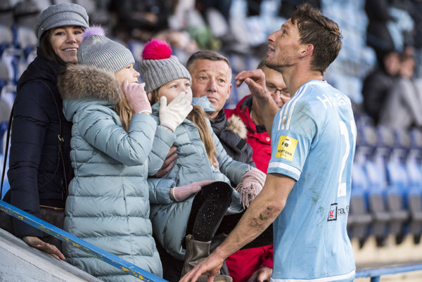 Strelec jediného gólu Filip Hološko s rodinou.