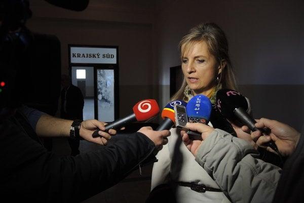 Janka Bačová po rozhodnutí Krajského súdu v Trenčíne.