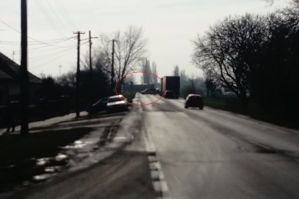 Skrížený kamión je kúsok od križovatky na Trakovice a Žlkovce.