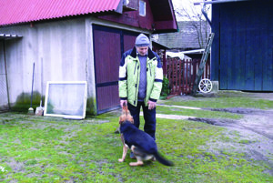 V Bystričke je daň za psa päť eur. Platí ju aj Igor Malko za svojho vlčiaka.