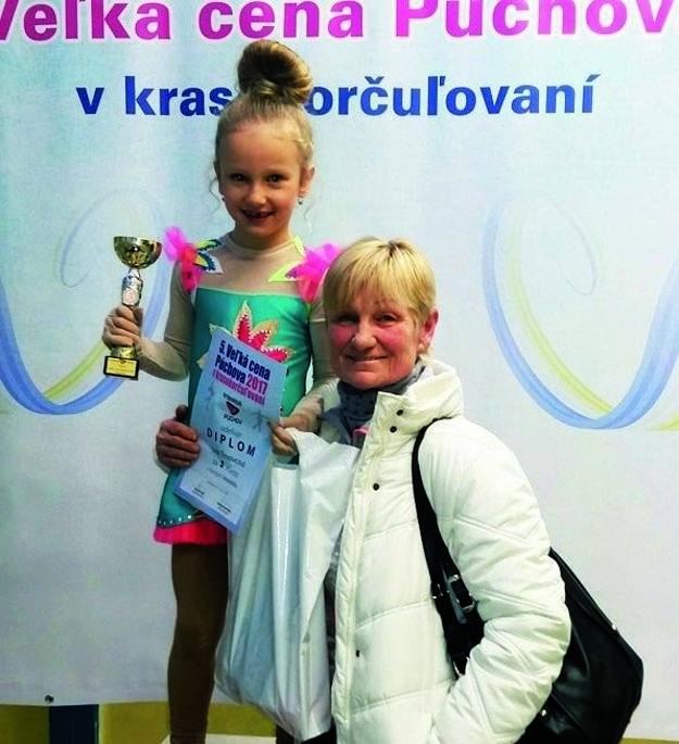 Lea Trnovcová s trénerkou Lianou Drahovou.
