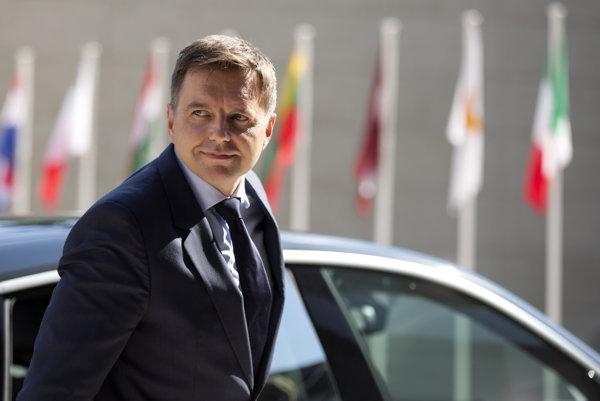 Kažimír kandiduje na šéfa euroskupiny.