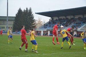 Vaško (v červenom) je najlepším strelcom A mužstva.