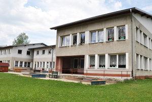 Oravskolesňania na rekonštrukciu interiéru materskej školy už peniaze majú, ďalšie potrebujú na exteriér.