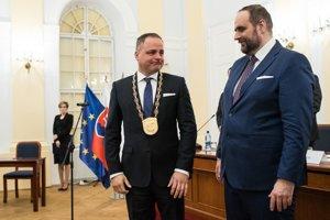 Nový predseda BSK Juraj Droba počas ustanovujúceho zasadnutia Zastupiteľstva Bratislavského samosprávneho kraja.