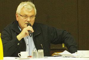 Vedúci technických služieb mesta informoval o zámere s triedením odpadu poslancov na zasadnutí zastupiteľstva.