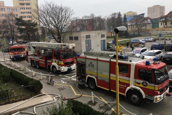 Zásah hasičov na Palárikovej ulici.
