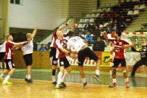 Ivan Veréb (33) strelil proti Šaľanom 7 gólov, ale ani to  nestačilo Novozámčanom na body.