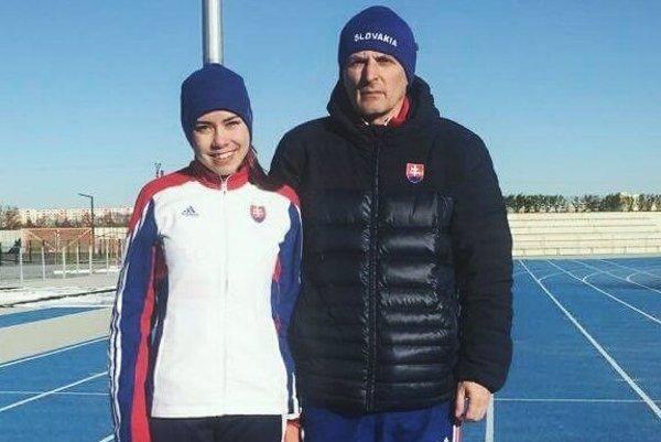 Alexandra Zavadská s trénerom Milanom Slivkom.