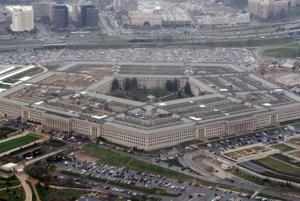 Pentagon dovolil transrodovým osobám slúžiť v armáde.
