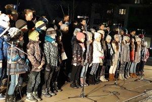 Deti vo Vranove.