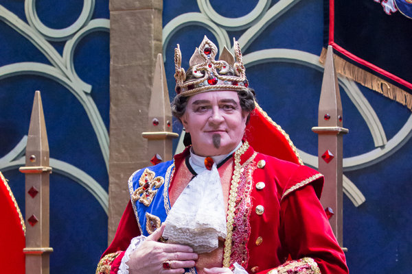 Kráľ. V Popoluške na ľade si zahral aj zatancoval.