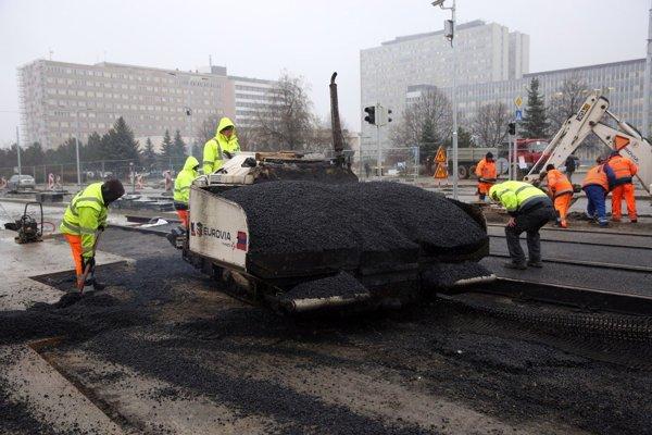 Práce na Ipeľskej ulici.
