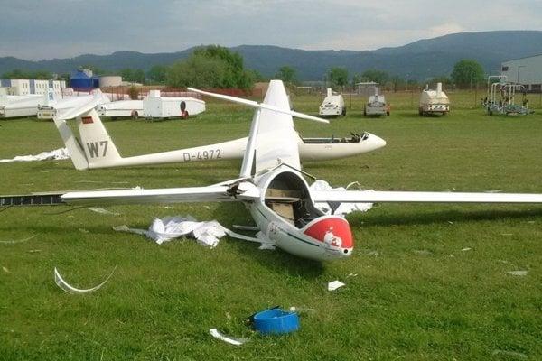 Ladislav Fico okrem lietadla z požičovne, na ktorom letel, poškodil päť vetroňov.