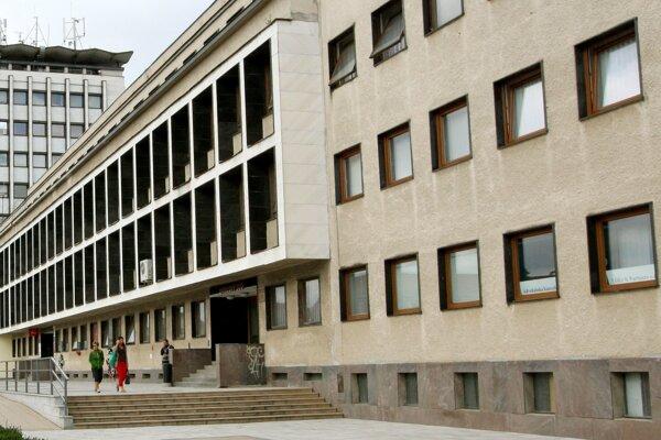 Padlo obvinenie za vlámačky na súd a do kancelárií mestského úradu v Žiari.