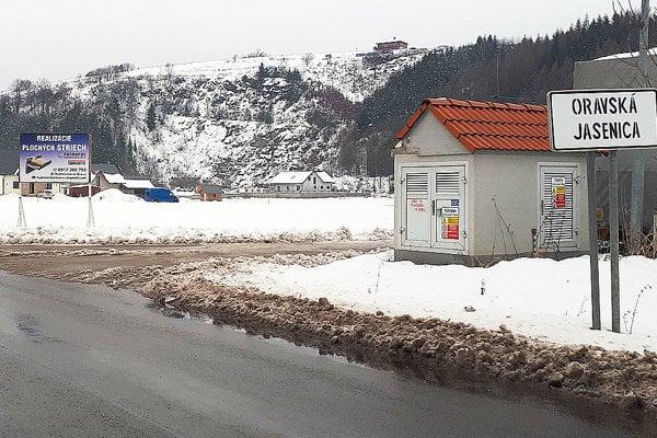 Cesty v dedine sú čoraz kvalitnejšie.
