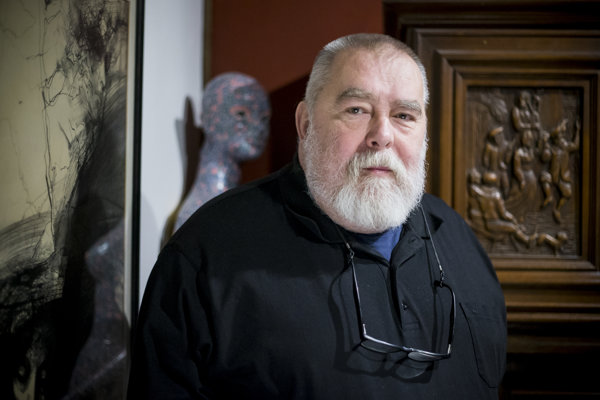 Vladimír Tomčík napísal viaceré knihy. Ominulosti mesta, ale aj dávnej gastronómii.